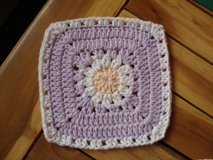 daisies-baby-blanket-square1